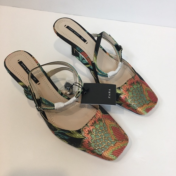 68cefd8b8d2 Zara Women s Heels Size 8 Embroidered Kitten Heel
